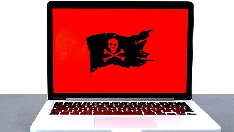 risiko membeli software akuntansi bajakan - ilustrasi malware dan virus